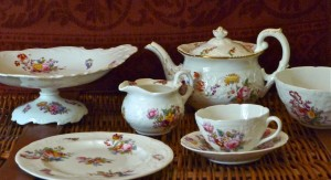 Embossed Floral Tea Set