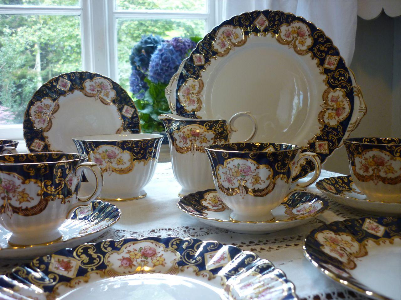 Royal Stafford Heritage Tea Set. Description & Royal Stafford Heritage Tea Set «