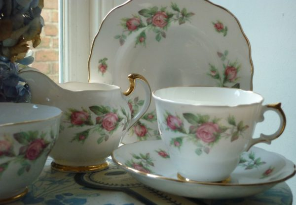 Pink Roses Regent Tea Set