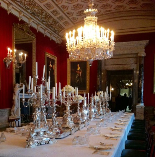 chatsworth-dining-table