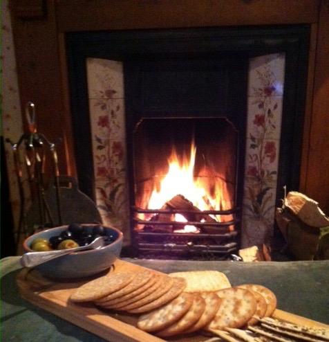 christmas-tea-fire